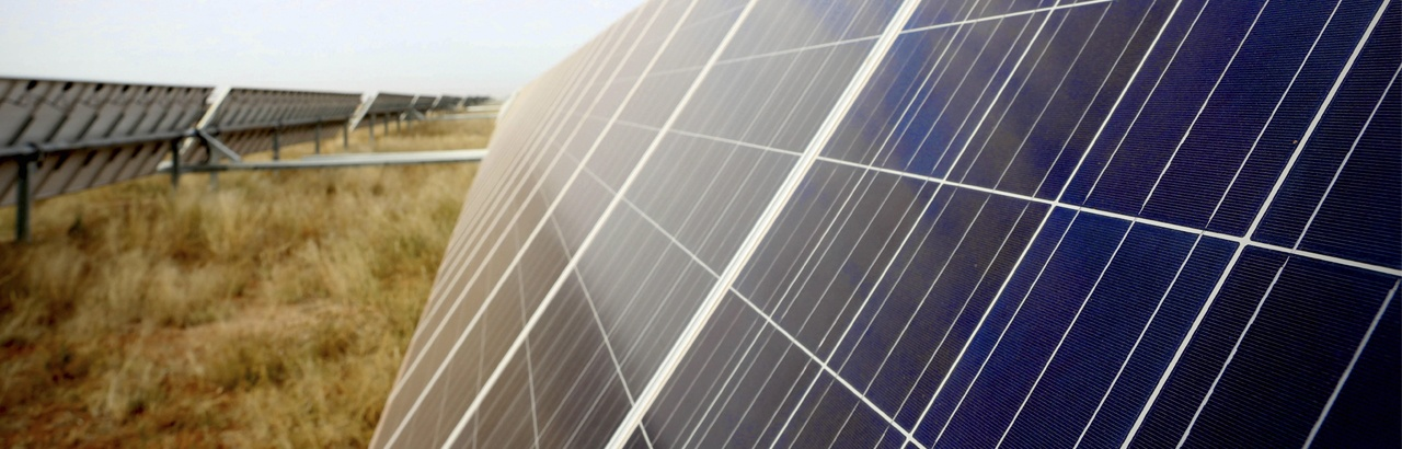 Energ a solar fotovoltaica y su contribuci n acciona - Tipos de paneles solares ...