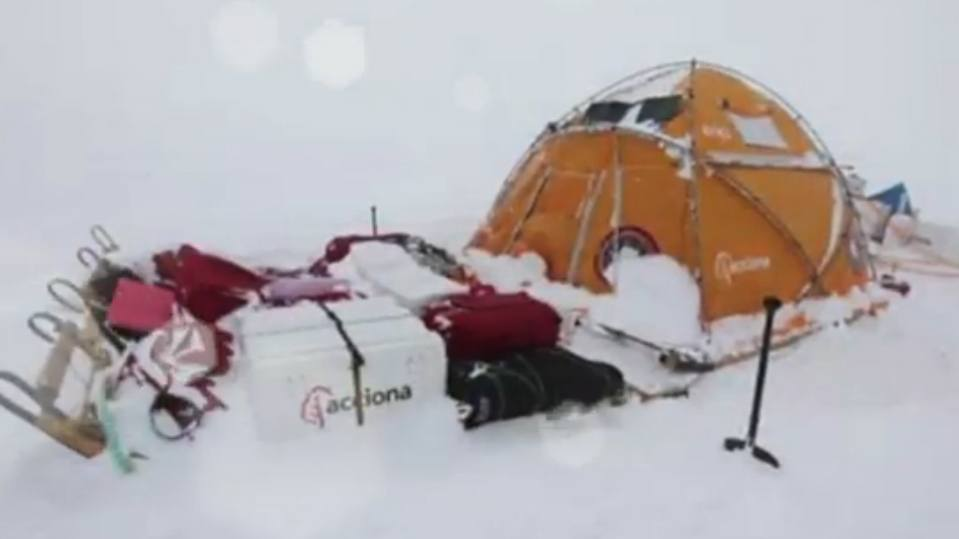 Arrival at South Pole of Acciona Antarctica Windpowered Team