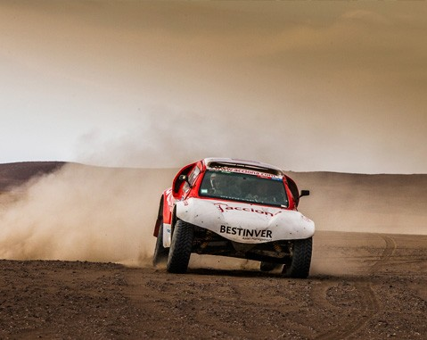 The first all-electric car to compete in the Dakar Rally arrives in Barcelona for the Sustainable Sunday event