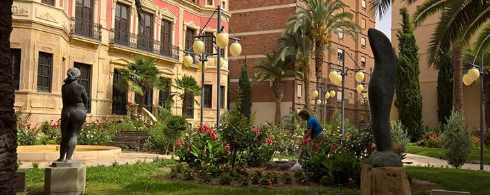 Acciona service mantiene los parques y jardines de lorca - Los jardines de lorca ...