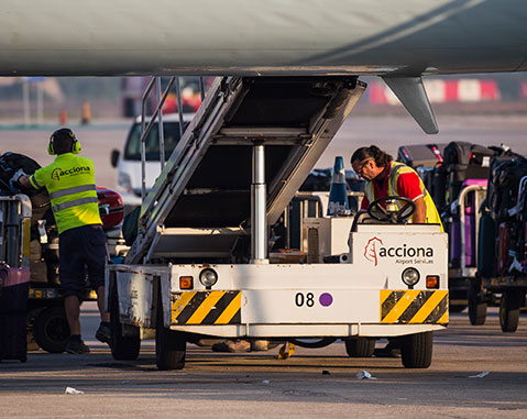 ACCIONA expands in Chile Handling market through contract with Aerolíneas Argentinas